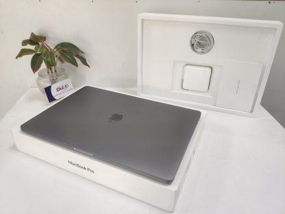 MacBook Pro 16 inch i7-2