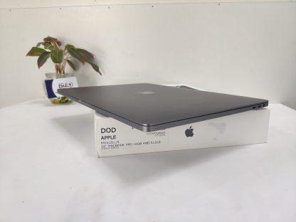 MacBook Pro 16 inch i7-5