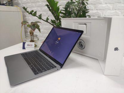 MacBook Air 2019-1