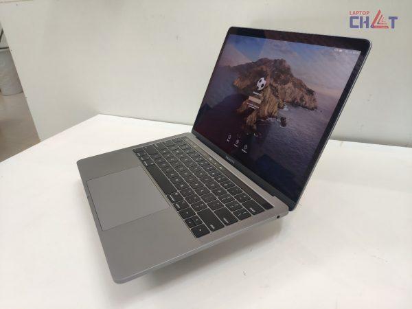 MacBook Pro 2019 13inch-1